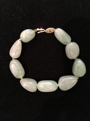 Jade Freeform Bracelet With 14ct Gold Clasp