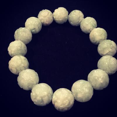 Carved Jade Bead Elastic Bracelet