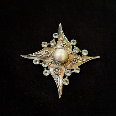 Starburst Mabe Pearl & Blue Topaz Silver Brooch/Pendant