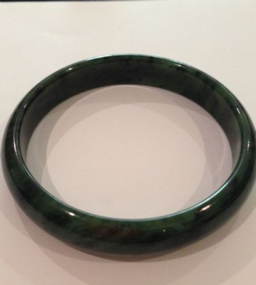 Nephrite Jade Green Bangle