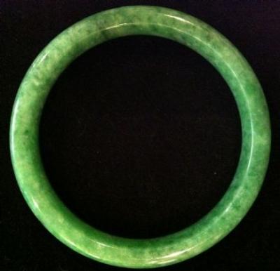 Gorgeous Large Size Green Jade Bangle