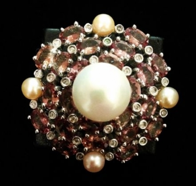 Colour Change Garnet & Feshwater Pearl Ring